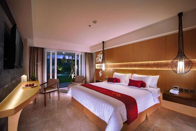 Golden Tulip Bay View Hotel & Convention Bali - Deluxe Pemandangan Kolam