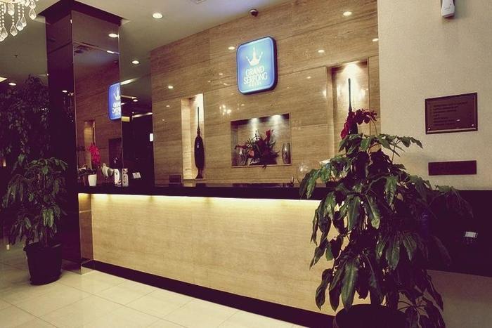 Grand Serpong Hotel Tangerang - Receptionist