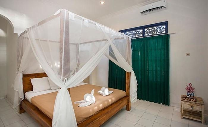 Linda Beach Resort Bali -  Nusa Lembongan