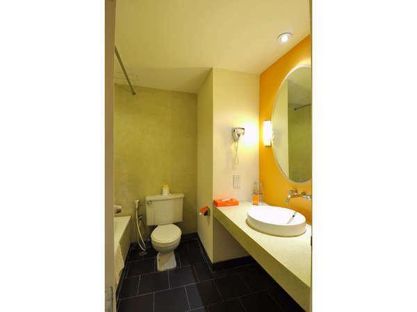 HARRIS Resort Kuta Beach Bali - Kamar mandi