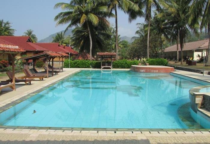 Ocean Queen Resort Sukabumi - Kolam Renang