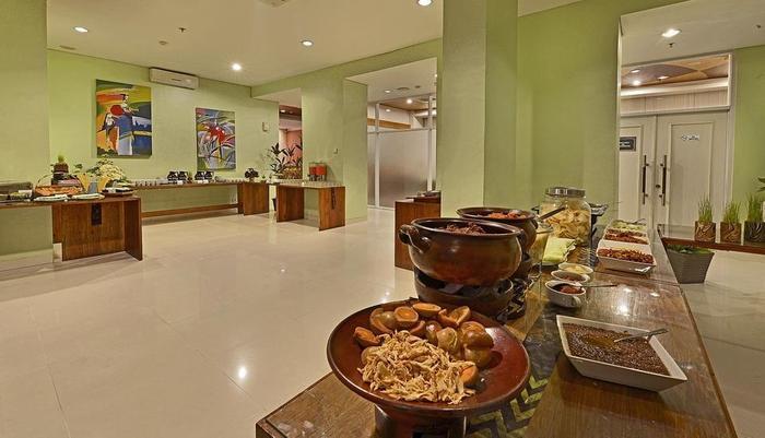 Whiz Hotel Malioboro Yogyakarta - Restaurant