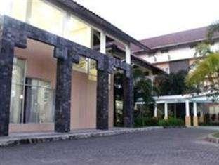 University Hotel Jogja - Tampak Luar