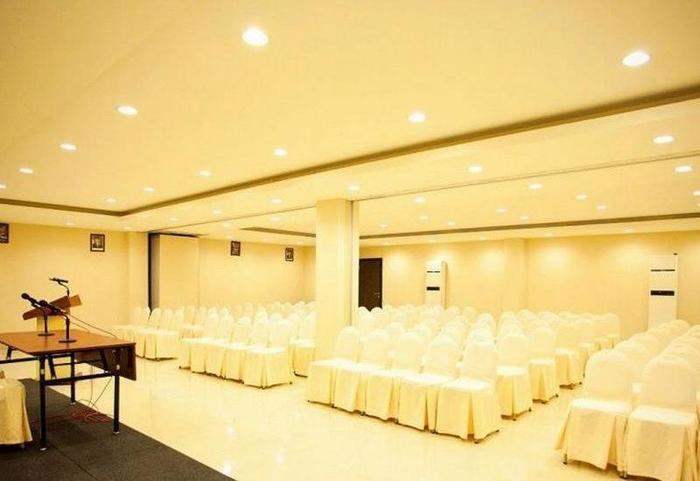 Grand Celino Hotel Makassar - BALLROOM