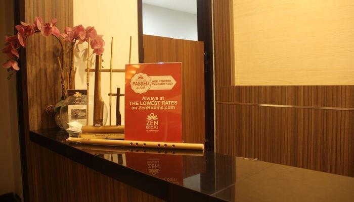 ZEN Premium Raya Lembang Bandung - Resepsionis