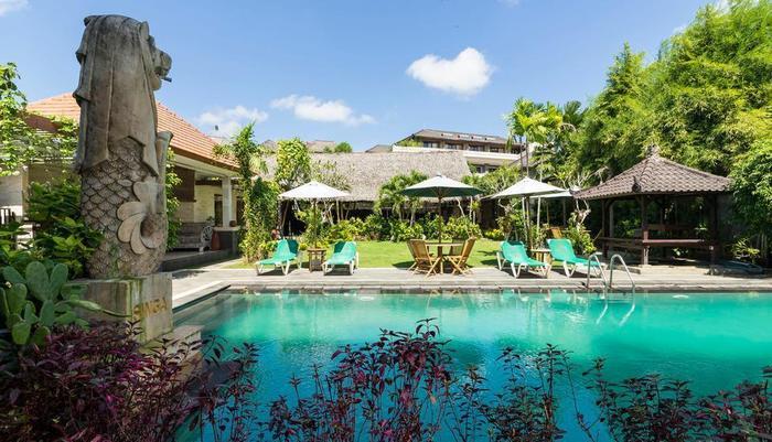 RedDoorz @Taman Mulia Jimbaran Bali - Kolam Renang