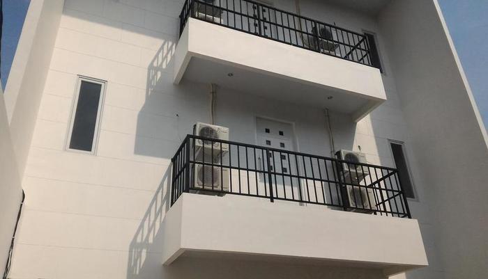 Rumah Kayu Manis Tebet Jakarta - Eksterior