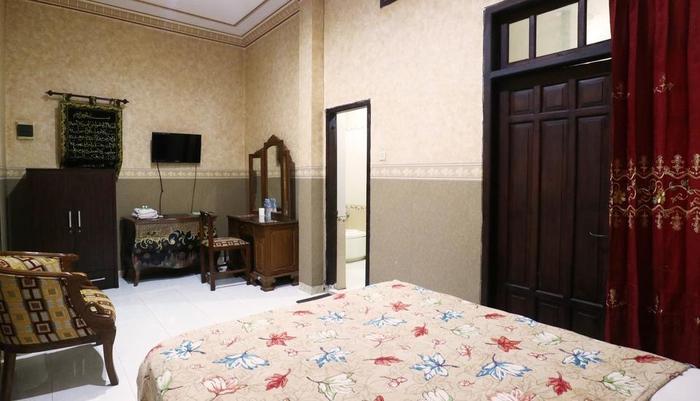 Andita Syariah Hotel  Surabaya - Superior Room