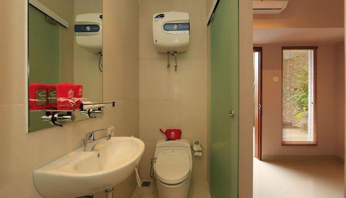 ZenRooms Ubud Raya Andong 2 Bali - Kamar mandi
