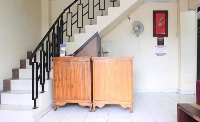 Khresna Guest House Jogja - Resepsionis