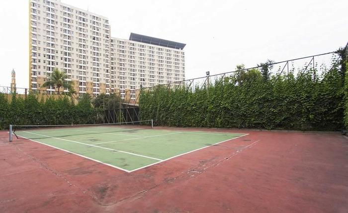 RedDoorz Apartment @Margonda Residence Jakarta - Lapangan Tenis