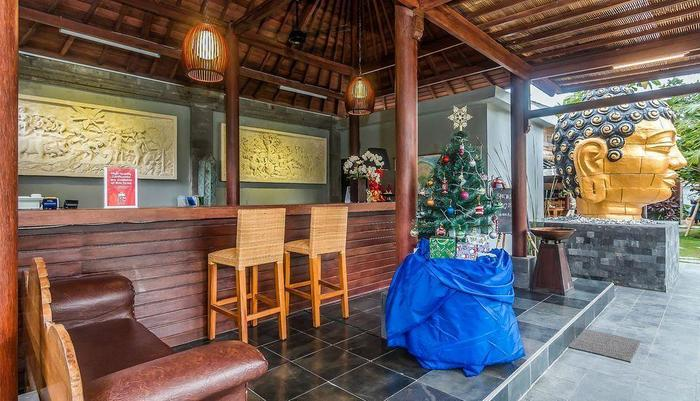 ZenRooms Ubud Sayan Bali - Recepstionist