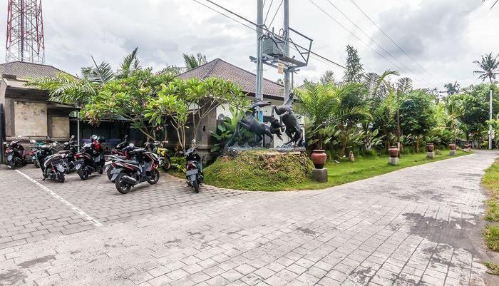 ZenRooms Ubud Sayan Bali - Area parkir