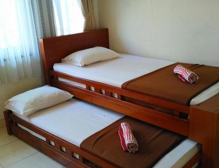 Hotel Puri Larasati Bandung - Slide Bed Graha