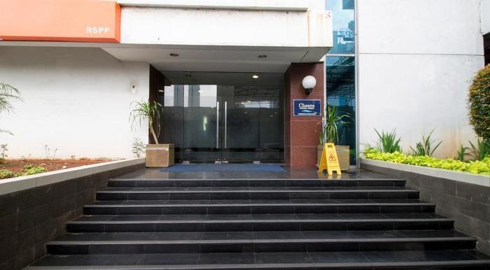 RedDoorz near RS Pertamina Jakarta - Eksterior