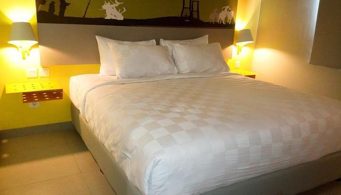 Kyriad Pesona Hotel  Surabaya - Deluxe Room