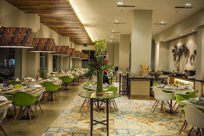 Kyriad Pesona Hotel  Surabaya - Restaurant Pesonna
