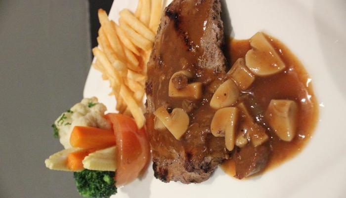Kyriad Pesona Hotel  Surabaya - Tenderloin Steak