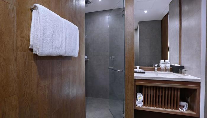 Vasanti Kuta Hotel Bali - Superior Bathroom