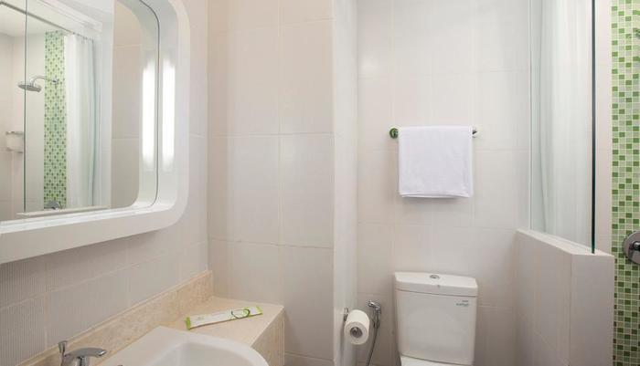 Zest Hotel Yogyakarta - Kamar mandi