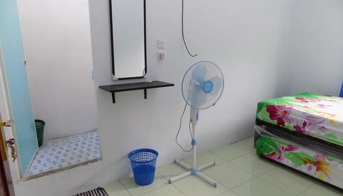 Amelia 2 Guest House Medan Medan - Guest Room