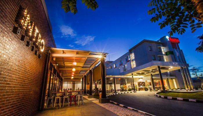 TreePark Hotel Banjarmasin - Tampilan Luar Hotel