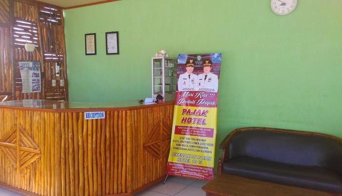 Greenville Hotel Sampit - Receptionist