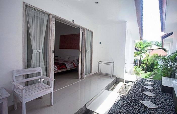 RedDoorz @ Pegending Canggu Bali - Teras