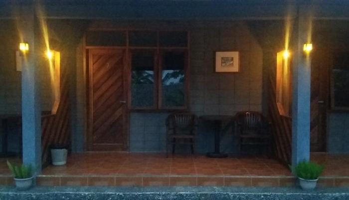 Amazon Bungalow & Cottages Pangandaran - Room's Terracce