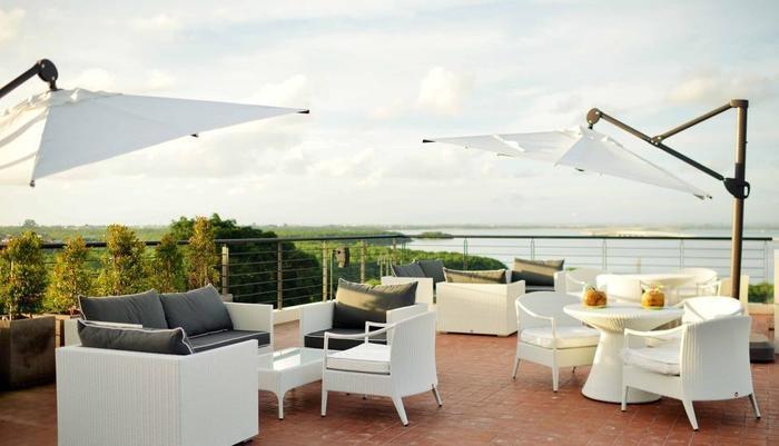 Mahogany Hotel Bali - Nibiru Lounge Bay View