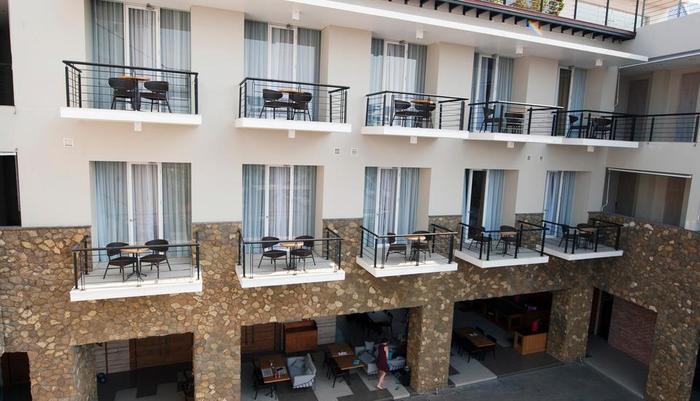 Mahogany Hotel Bali - Deluxe Balkon