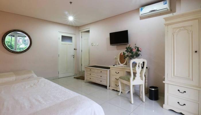 La Nostalgie Guest House Bandung - Junior