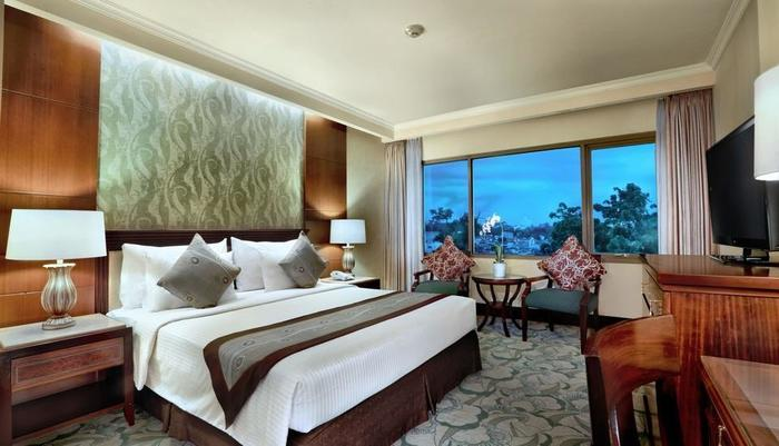Aston Tropicana Bandung - Kamar Premier - Double Bed
