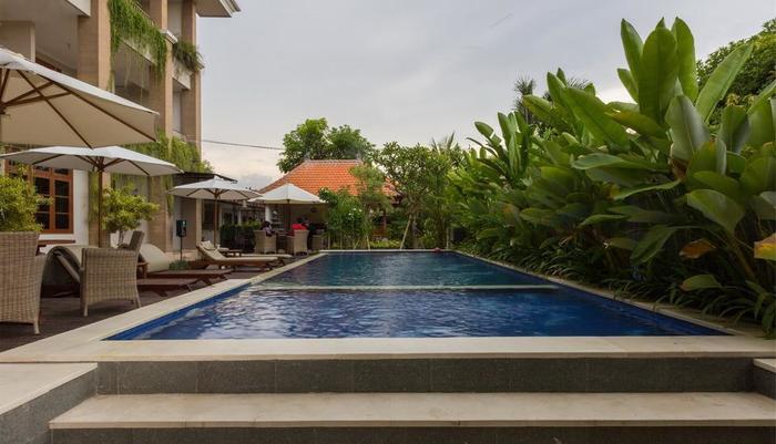 RedDoorz @Kubu Anyar 3 Bali - Kolam Renang
