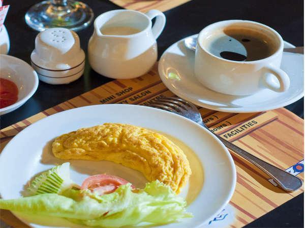 Elmi Hotel Surabaya - Breakfast