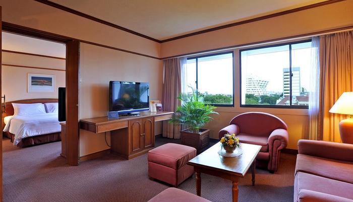 Elmi Hotel Surabaya - Kamar Suite
