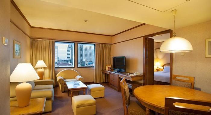 Elmi Hotel Surabaya - Rooms1