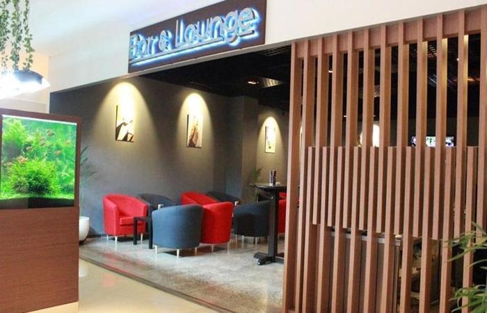 Sakura Park Hotel & Residence Bekasi - Bar & Lounge