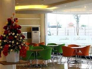 Hotel Halogen Surabaya - Restoran