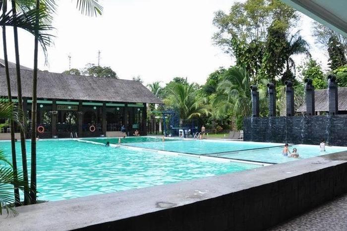 Mesra Business & Resort Hotel Samarinda - Kolam Renang