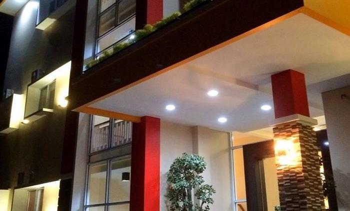New d'Dhave Hotel Padang - Tampak Depan