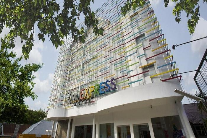 Zuri Express Hotel Pekanbaru - Tampilan Luar Hotel