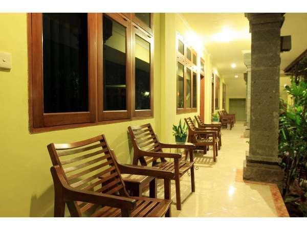 Puri Bunga Inn Bali - Teras