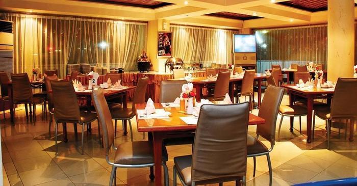 Royal Regal Hotel Surabaya - Restaurant1