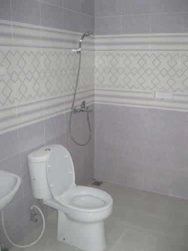 Lembang Guest House Bandung - Bath