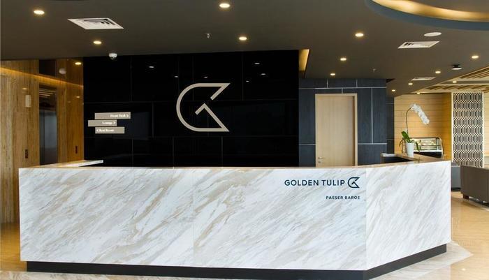 Golden Tulip Passer Baroe Jakarta - reseption desk