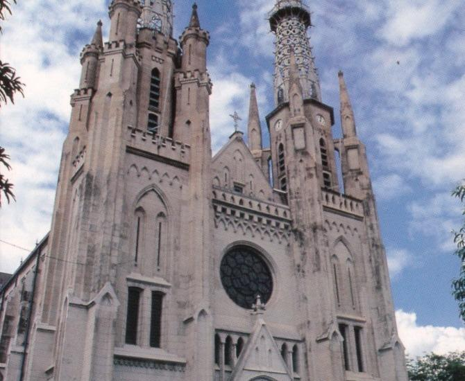 Golden Tulip Passer Baroe Jakarta - Gereja Katedral