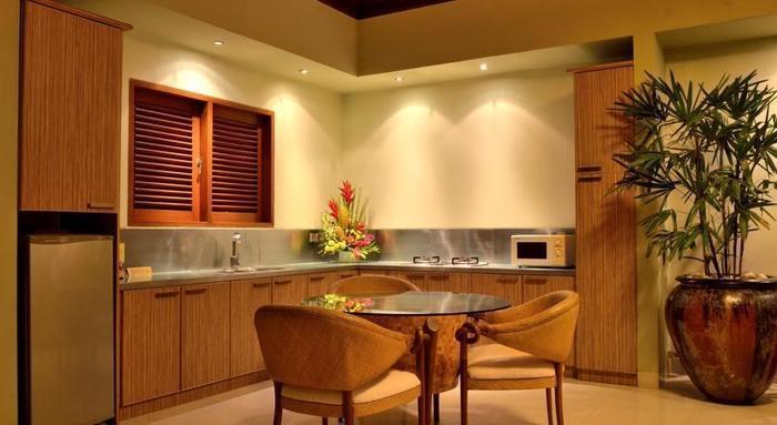 DISINI Luxury Spa Villa Bali - Ruang makan