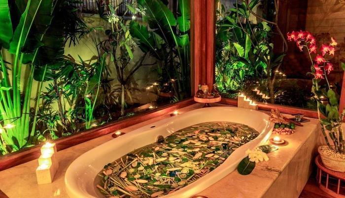 DISINI Luxury Spa Villa Bali - Tempat berendam di dalam kamar SPA