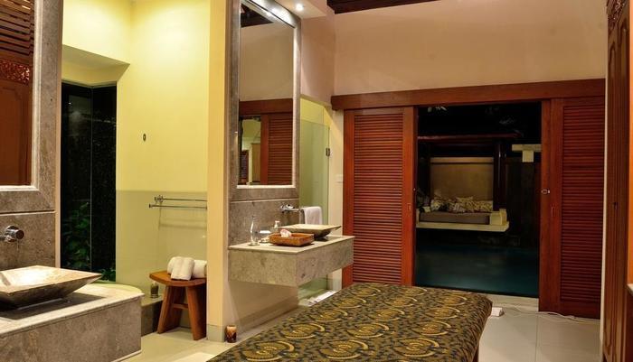 DISINI Luxury Spa Villa Bali - SPA bed